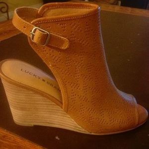 Lucky Brand ankle wedges #52